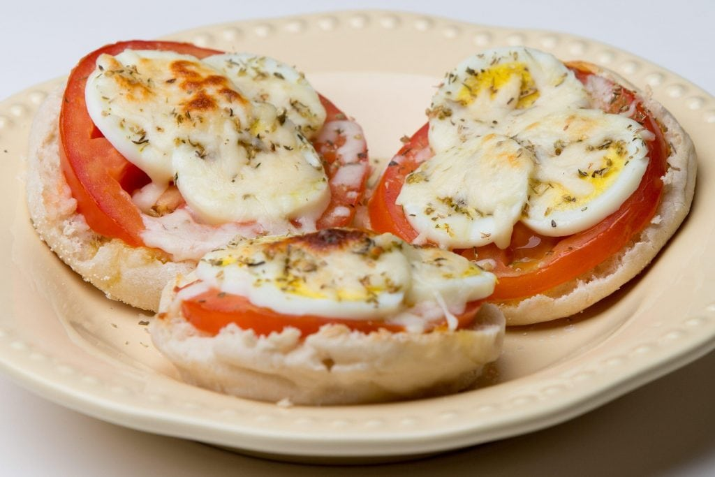 muffin egg pizza